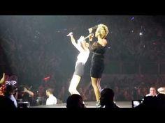 Taylor Swift + Emeli Sande - 2014-02-10 - Next To Me - O2 Arena London - Duet - YouTube