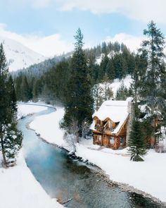 Winter Cabin, Cozy Cabin, Cabin Tent, Ideas De Cabina, Forest Cabin, Cabin In The Woods, Little Cabin, Winter Scenery, Cabins And Cottages