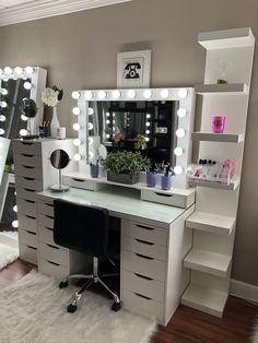 15 Cool Bedroom Vanity Design Ideas Bedroomvanity Bedroom Vanity Vanity In Bedroom Bedroom Ideas With Vanity Make U Bedroom Decor Room Decor Bedroom Design