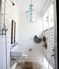 outdoor bathroom design 15 Awesome Outdoor Showers and Bathrooms