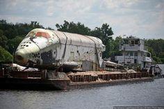 remnants-of-russian-space-shuttle-program-02.jpg (574×382)