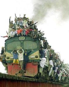overvolle trein.