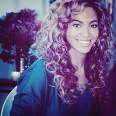 I must see this beauty live. And so i will. GO MRS CARTER TOUR 2013 YEP YEP. beyonce! Love her curls! Your my inspiration