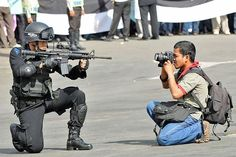 John Kavanagh (R) has just proposed a bill that will criminalize recording police or police activities without the permission of the officers in question. If photographers are wi… Photographer Humor, Professional Photographer, Burning Man, Pawer Rangers, Police Activities, National Geographic Photographers, Foto Art, Photo Retouching, Cops