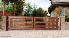 Moderno portón de metal con diseño único