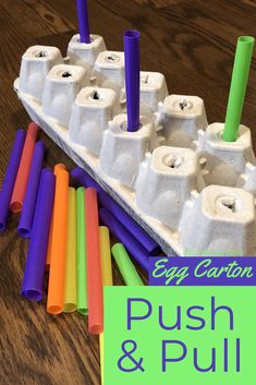 Fine motor skills game for children using an egg carton and straws! Straw Activities, Toddler Fine Motor Activities, Activities For 2 Year Olds, Motor Skills Activities, Preschool Learning Activities, Infant Activities, Fine Motor Skills, Diy Montessori Toys, Straws