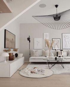 modern traditional decor - Home decor - Wohnzimmer Living Room Trends, Room Inspiration, Living Room Decor Apartment, Home And Living, Living Room Designs, Modern Traditional Decor, House Interior, Room Design, Apartment Decor