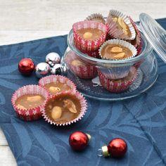 Peanøttkarameller med SukrinSirup - Funksjonell Mat 20 Min, Christmas Treats, Toffee, Panna Cotta, Peanut Butter, Protein, Cheesecake, Vanilla, Muffin