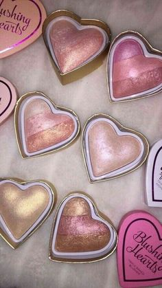 Makeup Revolution Blushing Hearts Triple Baked Highlighter, Goddess of Love - Cute Makeup Guide Cute Makeup, Pretty Makeup, Sleek Makeup, Make-up-tipps Und Tricks, Too Faced Highlighter, Pink Highlighter Makeup, Blush Makeup, Make Up Palette, Beauty Make-up