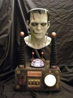 Frankenstein prop Halloween Haunted Houses, Creepy Halloween, Halloween 2017, Holidays Halloween, Halloween Themes, Happy Halloween, Halloween Decorations, Halloween Party, Halloween Garage