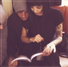 she's sitting on his lap i can't handle it i just can't / oli & hannah