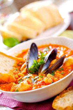 This simple Sicilian-inspired seafood stew will make you want to gather around the dining table and break bread with loved ones. Golden Blossom Honey enhances the sweetness of tomatoes while melding the savory ingredients together in this hearty stew. Serve with crusty bread to soak up every last bit!