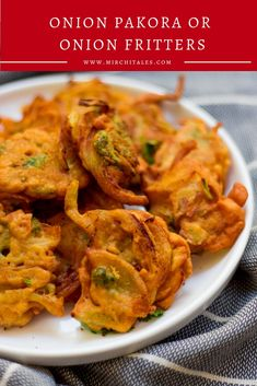 Onion pakora, pyaz pakora or onion fritters are a Pakistani / Indian appetizer made with sliced onion and coriander coated with a spicy chickpea flour batter and deep-fried till crispy. Indian Appetizers, Indian Snacks, Indian Food Recipes, Vegetarian Recipes, Snack Recipes, Indian Foods, Indian Sweets, Tofu Recipes, Vegan Meals