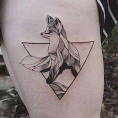 Ele mistura a natureza e a geometria em incríveis tatuagens