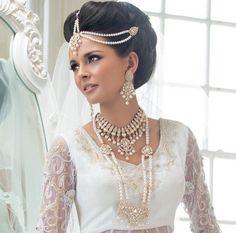 Ekta Solanki Designer Indian Bridal Collection Lehngas - Indian Wedding Site Home - Indian Wedding Site - Indian Wedding Vendors, Clothes, Invitations, and Pictures. Asian Bridal Jewellery, Wedding Jewellery Designs, Indian Jewellery Online, Indian Wedding Jewelry, Wedding Jewelry Sets, Indian Bridal, Bridal Jewelry, Pakistani Jewelry, Bridal Accessories