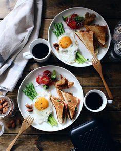 10 Easy and Healthy Breakfast Menu Idea - Healthy Food Delivery - Ideas of Healthy Food Delivery - 10 Easy and Healthy Breakfast Menu Idea Healthy Breakfast Menu, Healthy Snacks, Breakfast Recipes, Healthy Eating, Healthy Recipes, Morning Breakfast, Romantic Breakfast, Breakfast Toast, Dinner Healthy