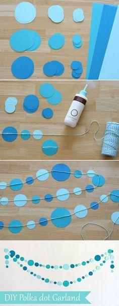■ガーランドの作り方 1.お好みの色画用紙を用意し、丸型などの形に切り取ります。 2.切り取ったモチーフに接着剤を塗って、ヒモを付けます。 3.接着剤が乾いたら完成!