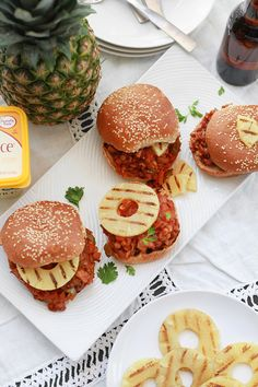 The only thing that can make a classic Sloppy Joe any better is making completely plant-based, packed with protein from lentils, and topped with juicy grilled pineapple! Vegan Lunch Recipes, Gf Recipes, Delicious Vegan Recipes, Vegan Dinners, Vegan Vegetarian, Vegetarian Burgers, Vegan Food, Vegan Sloppy Joes, Veggie Bites