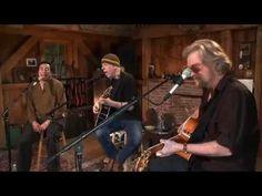 ▶ Smokey Robinson -- Sara Smile + Ooo Baby Baby [Live from Daryl's House #22-06] - YouTube