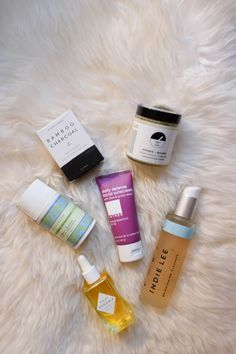 If you read here regularly, then you know I'm a little bit of a beauty product obsessive, especially when it comes to the natural product scene. During my trip to Hawaii in September, I met Jen Conforti at my friend Jackie's wedding. We instantly hit it off as we have ...