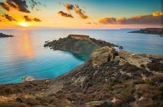 Good Evening everyone! How was your weekend? check out this stunning #sunset at one of Malta's popular beaches!   Featured Photographer: @micagius  Tag your #photos with #MaltaPhotography to get a chance to be #featured on @maltaphotography - http://ift.tt/1fpoK0v  #sea #sand #winter #love #me #weekend #blue #panorama #picturesque #colours #island #jj #Malta #Photography #instagramhub #instafamous #photooftheday #picoftheday #l4l #beautiful #view #lonelyplanet #travel #destination…