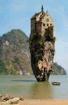 What a castle! I'd be too afraid to get up to the top!