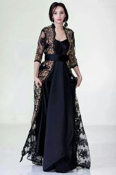 hmm modern yet has a strong period appearance. Muslim Fashion, Hijab Fashion, Indian Fashion, Girl Fashion, Fashion Dresses, Emo Fashion, Hijab Stile, Moroccan Caftan, Caftan Dress