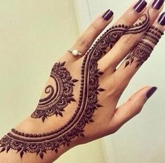 http://topmehndidesigns.com/wp-content/uploads/2016/03/Beautiful-Khaliji-Khaleeji-Henna-Designs-for-Hands-2016-2017.jpg