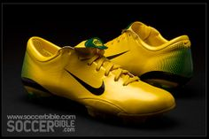 The Nike Mercurial Vapor III football boots arrived on pitches in 2006 and were worn predominantly by Ronaldo, player setting new standards for speed, goalscoring and close ball control.
