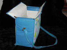 Vintage Diaper Bag Plus Bonus of 6 Plastic Vintage Disposable Diapers Baby Necessities, Baby Essentials, Baby Memories, Childhood Memories, Baby Live, Disposable Diapers, Baby Diaper Bags, 80s Kids, Playpen