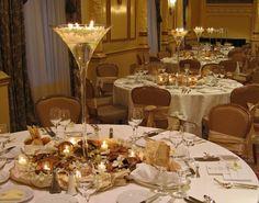 Wedding ideas for someday / amazing white and gold decorations #wedding #decor #elegant