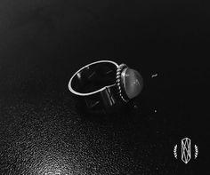 """Ateliê Rafael De Paula no Instagram: """"Anel em prata com pedra da lua pra dar sorte nesse final de ano, encomende já o seu (49)9117-6268."""""""