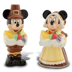Mickey & Minnie are all dressed up as pilgrims and have gathered goodies for their Thanksgiving cornucopia. MICKEY AND MINNIE MOUSE AS PILGRIMS SALT & PEPPER SHAKER SET