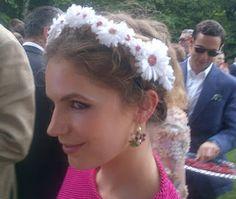 Vintage Rose Wedding Designs: Flower Power Head Dresses