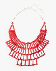 Collar tribal en rojo. Stradivarius.