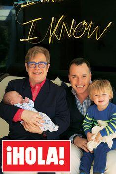 En ¡HOLA!: Sir Elton John y David Furnish, las primeras y exclusivas imágenes de la presentación de su 'baby' Elijah #cantantes #famosos #babies #people #celebrities