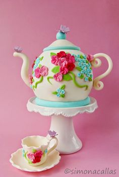 Teapot Cake on Cake Central 2 Birthday Cake, Tea Party Birthday, Birthday Treats, 10th Birthday, Gorgeous Cakes, Amazing Cakes, Teapot Cake, Cake Central, Dream Cake