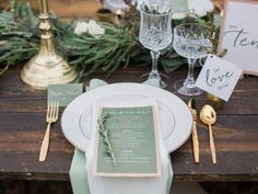 A Wedding Family Portrait Checklist For Your Photographer - WeddingWire