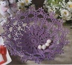 Húsvéti horgolt kosárka, tál, mely ajándékok tárolására is mutatós!   Séma, leszámolható rajz   jelmagyarázat Ha a képre kattintasz, olvasható lesz a leírás leírás Kellemes időtöltést Making Baskets, Easter Crochet, Crocs, Blog, Crochet Lace Edging, Basket Weave Crochet, Hampers, Amigurumi, Blogging