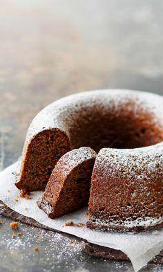 Kahvi-taatelikakku | Meillä kotona No Bake Desserts, Vegan Desserts, Dessert Recipes, Viking Food, Finnish Recipes, Christmas Baking, Merry Christmas, Coffee Cake, Let Them Eat Cake