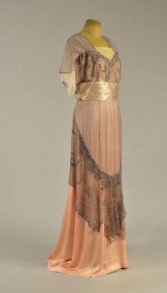 Evening dress of Ellen Wilson, 1913-14 From Whitaker Auctions