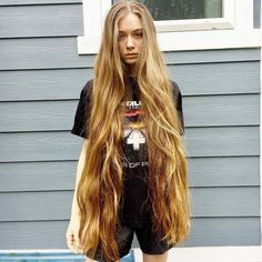 Comment your favorite pic 🖤🧝🏻♀️💫 Beautiful Long Hair, Gorgeous Hair, Long Blond, Rapunzel Hair, Natural Hair Styles, Long Hair Styles, Very Long Hair, Belleza Natural, Big Hair