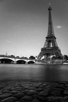 samuelxg:  Eiffel Tower, Paris. https://www.facebook.com/SamuelLagartoPhotography