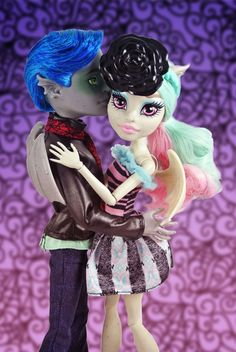Images For > Monster High Haunted Rochelle