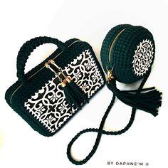 Marvelous Crochet A Shell Stitch Purse Bag Ideas. Wonderful Crochet A Shell Stitch Purse Bag Ideas. Crochet Wallet, Crochet Backpack, Crochet Bag Tutorials, Crochet Purse Patterns, Crochet Handbags, Crochet Purses, Crochet Bags, Crochet Accessories, Bag Accessories