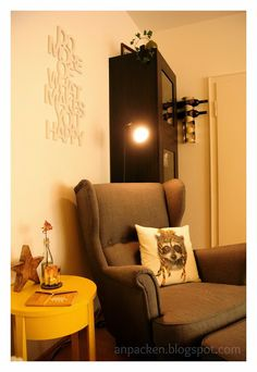 Mein Wohnzimmer-Makeover  http://anpacken.blogspot.de/2013/12/beauty-is-where-you-find-it-cosy-at-home.html