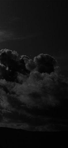 Black Wallpaper Iphone Dark, Dark Phone Wallpapers, Cute Black Wallpaper, Night Sky Wallpaper, Black Phone Wallpaper, Phone Wallpaper Images, Cloud Wallpaper, Iphone Wallpaper Tumblr Aesthetic, Black Aesthetic Wallpaper