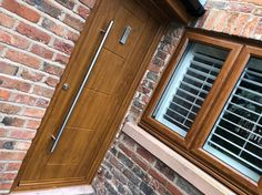 An industry-leading manufacturer of tailor-made composite doors, stable doors and french doors with unmatched strength and security. Oak Front Door, Back Doors, Contemporary Doors, Composite Door, Light Oak, Stables, Garage Doors, Barn, Cottage
