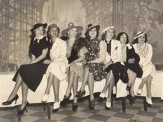 i love clothes from the 40's. i long for the days when women wore hats and gloves