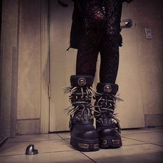 rottenmorgue: new shoes i got up in LA, i wanna kick someone >:}